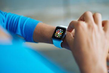 5 Free Apple Watch Mockups