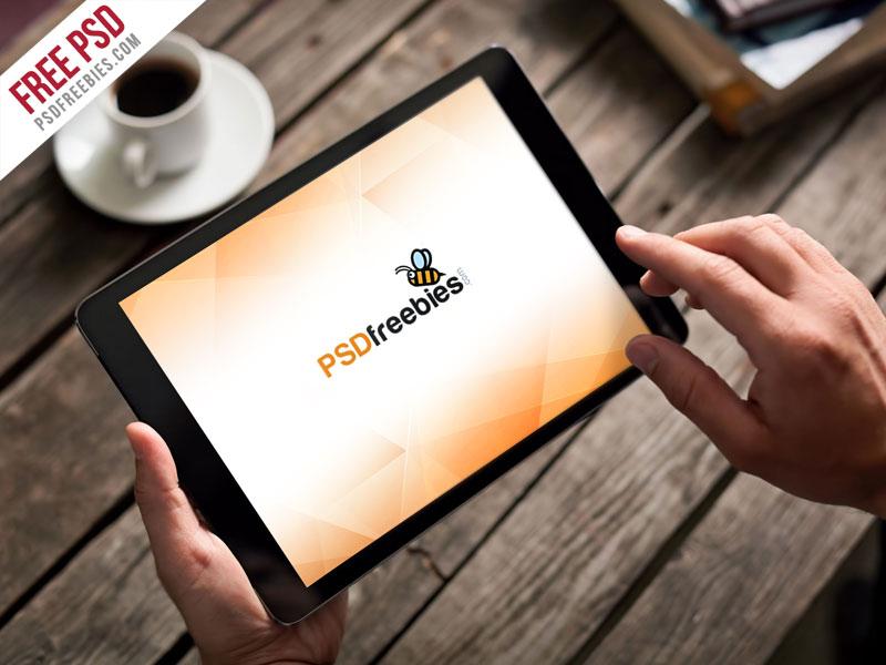 Free Photorealistic iPad Mockup