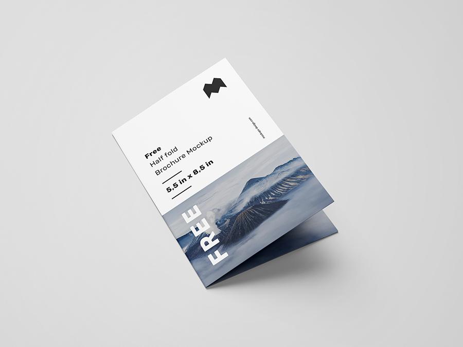 Free US Half Fold Brochure Mockup